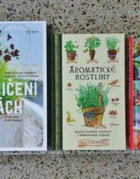 3 knížky, které vám zpříjemní léto