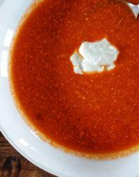 Tomatová polévka z pečených rajčat